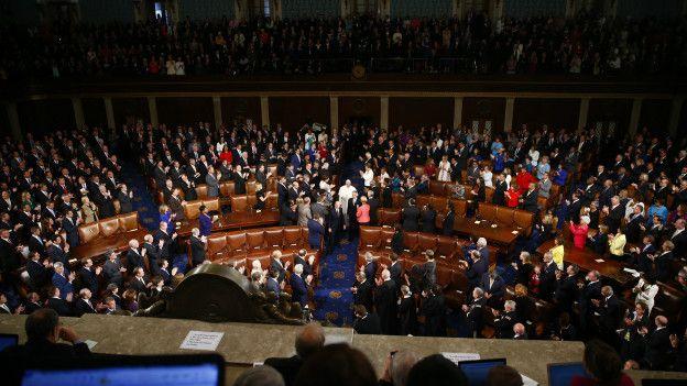 Imagen de la llegada del papa alnte el pleno del Congreso
