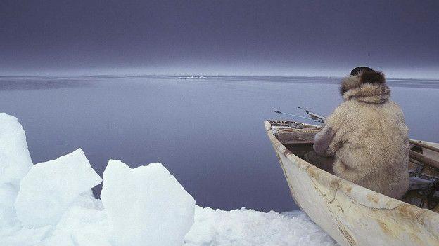 Эскимос в лодке