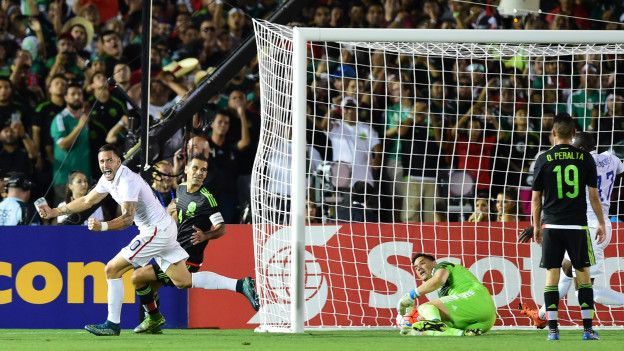 Geoff Cameron celebra su gol.