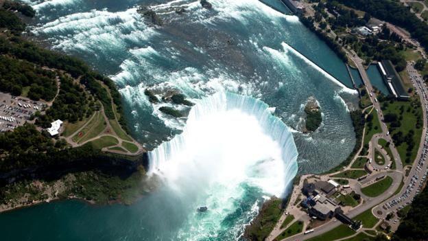 151109162514 niagara falls from air