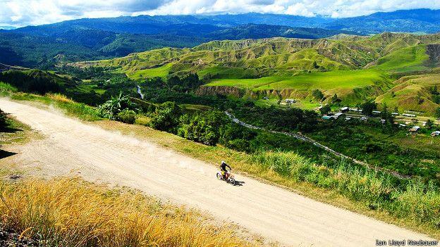 Путешествие на мотоцикле по ПНГ