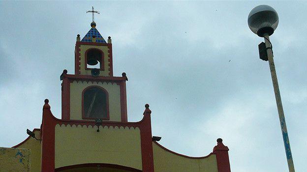 El pueblo ecuatoriano donde se tejen los sombreros más finos y caros ... c62009c88d6