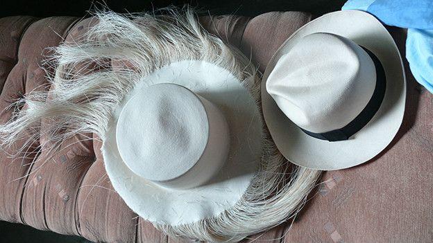 El pueblo ecuatoriano donde se tejen los sombreros más finos y caros ... 29e3aa6307f