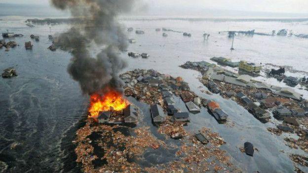 imagen de los efectos del tsunami