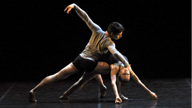 Nadja Saidakova y Vladislav Marinov bailando en 2011