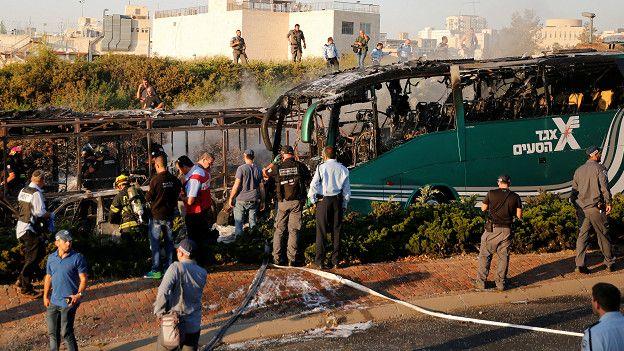 Прикасание в вавтобусе фото 465-291