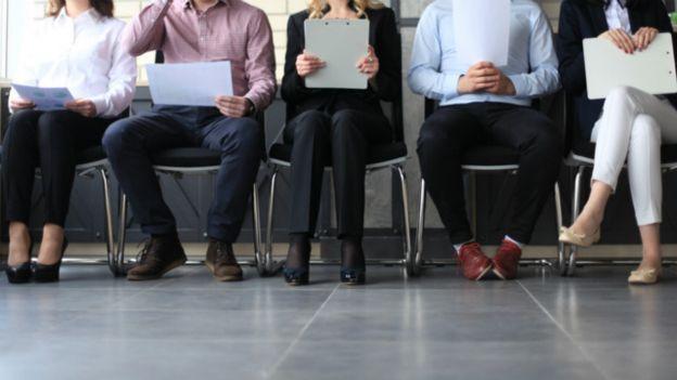 98f54a9edb7 Cómo NO vestirse para una entrevista de trabajo - BBC News Mundo