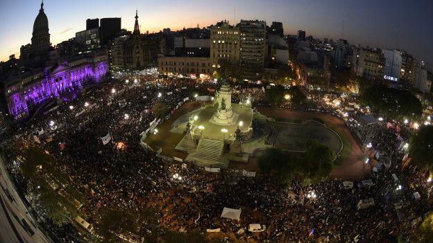 En 2015, en Buenos Aires, la marcha contra la violencia de género convocó a 5000 personas.