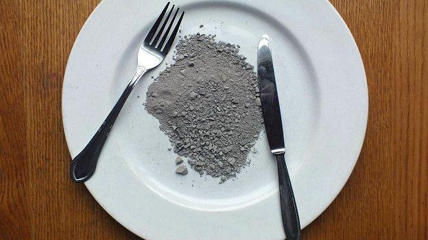 Употреблять в пищу почву может быть опасно, так как в ней могут содержаться болезнетворные микроорганизмы