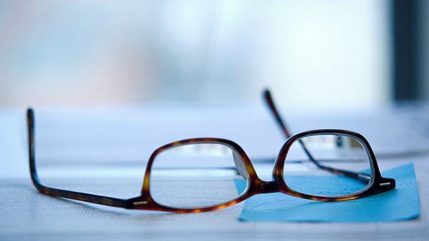 Чи прискорюють окуляри погіршення зору  - BBC News Україна 8d82cd507fb0f