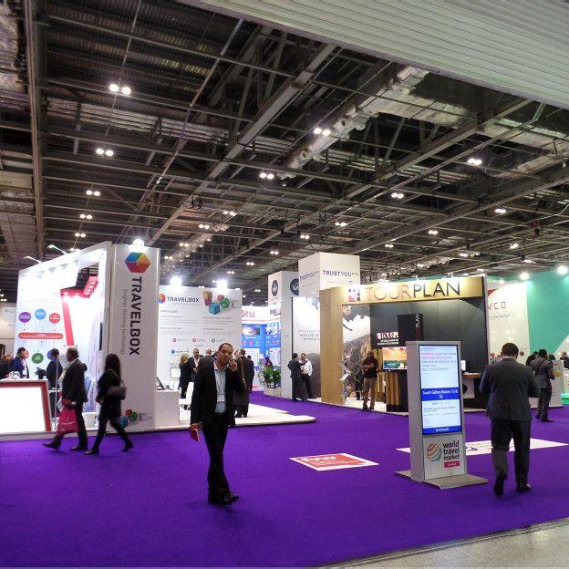 伦敦世界旅游交易会汇聚大批旅游专业人士、进行多项商业交易。(摄影:子川)