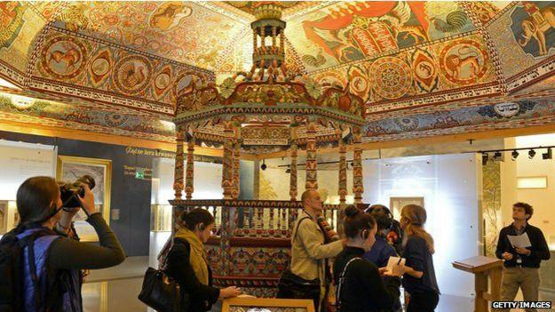 Interior del museo judío de Varsovia