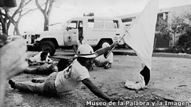 Arrestan 73 veteranos de guerra por protestas en El Salvador