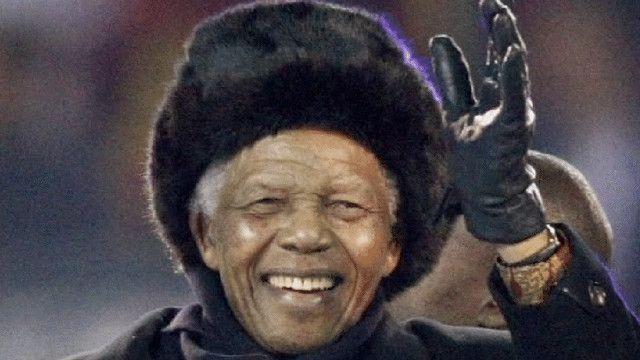 نيلسون مانديلا الزعيم الوطني الافريقي