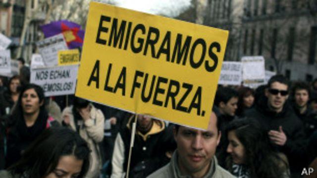 """Los jóvenes """"españolatinos"""", atrapados entre dos mundos"""