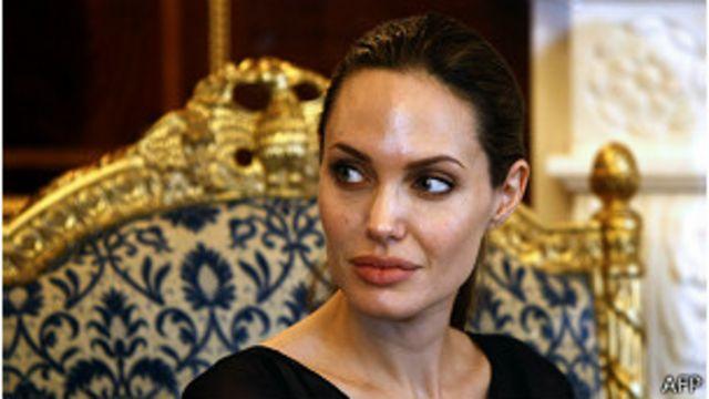 Fallece de cáncer de mama la tía de Angelina Jolie