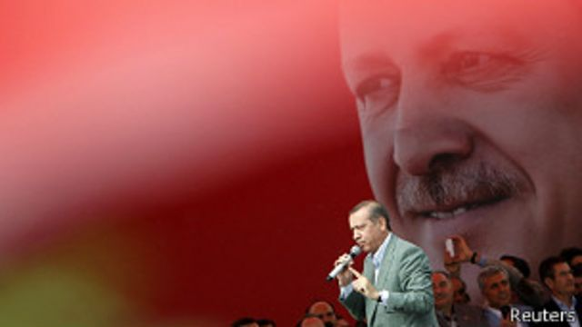 Turquía: Erdogan amenaza con desalojar a quienes continúen protestando