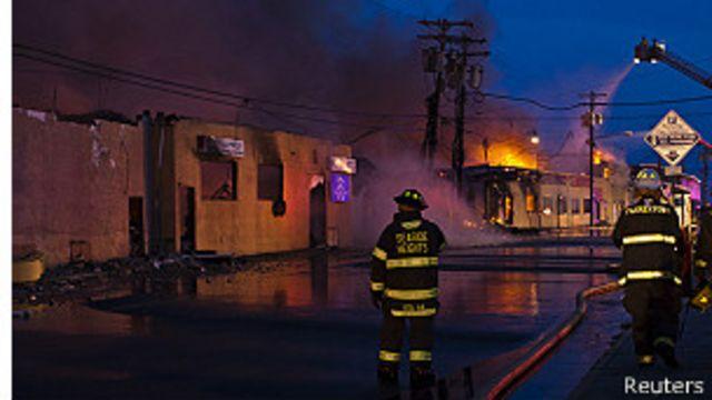 Enorme incendio destruye popular zona de Nueva Jersey