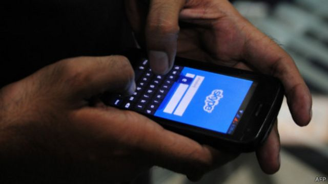 سكايب يستحدث خدمة ترجمة فورية للمحادثات الهاتفية