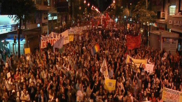 احتجاجات المدرسين في البرازيل