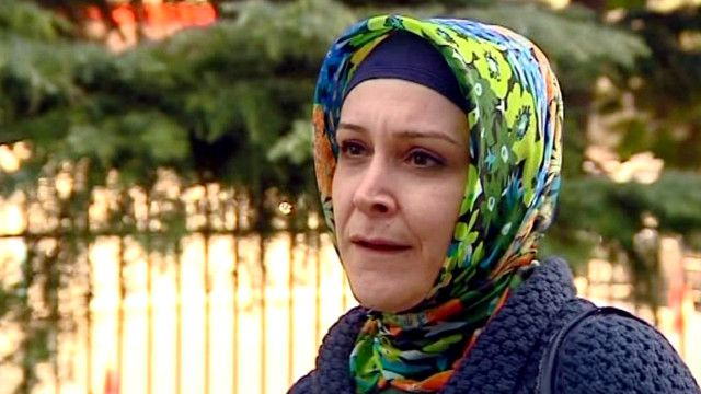 موظفة تركية محجبة