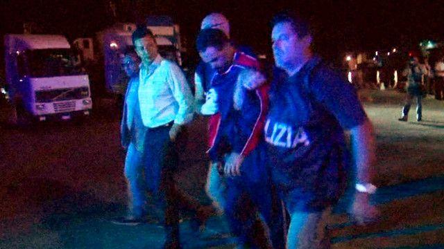 القبض على مشتبه به في حادثة غرق مركب يقل مهاجرين
