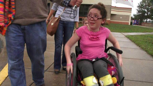Chrissy Gruby, en su silla de ruedas