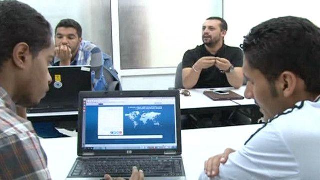 شاب يمني يصمم موقع تواصل اجتماعي محلي