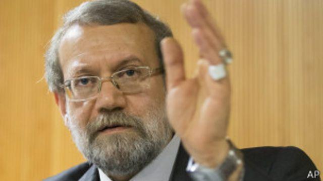علی لاریجانی خبر دخالت رهبر ایران در انتخاب وزیر علوم را رد کرد