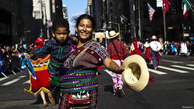La paradoja hispana: el secreto de por qué los latinos en EE.UU. viven más años