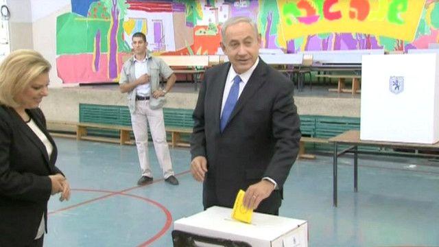 بنيامين نتنياهو يدلي بصوته في انتخابات بلدية القدس