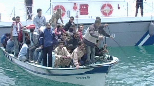سفينة تقل مهاجرين سوريين