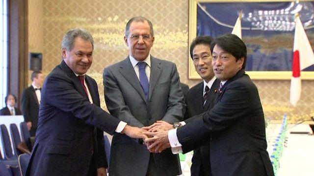 وزير الخارجية الروسي ونظيره الياباني