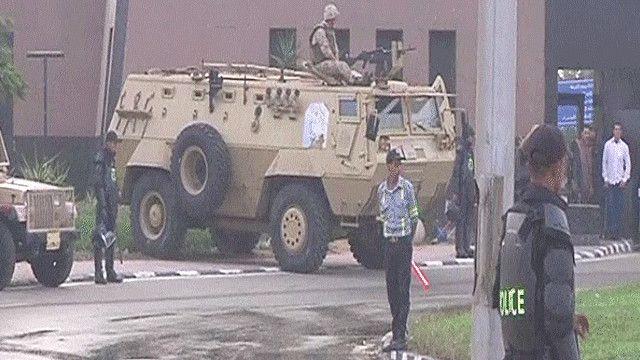 قوات من الجيش المصري تحرس مقر أكاديمية الشرطة