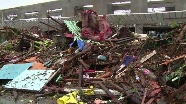 escombros nas Filipinas