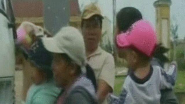 مواطنون يتم إجلاؤهم في فيتنام بسبب إعصار هايان