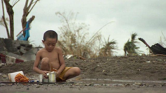 Niño en Tacloban