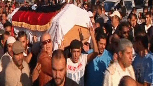 الليبيون يشيعون ضحايا الإشتباكات الأخيرة
