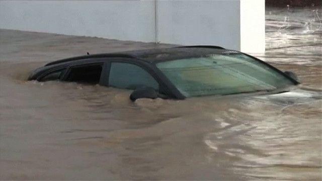 По Сардинії вдарив циклон