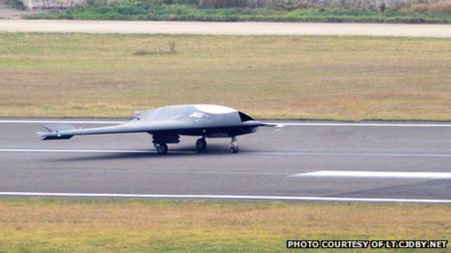 الصين تدشن اول طائرة شبح تحلق آليا