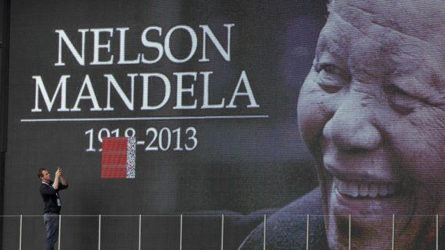 Telão mostrando Nelson Mandela. Foto: AP