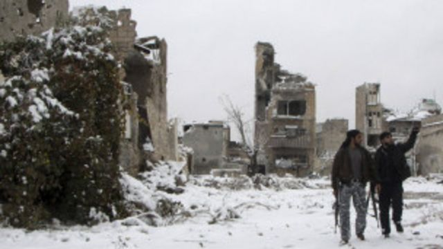 """سوريا: """"مسلحون إسلاميون"""" يقتلون مدنيين في عدرا"""