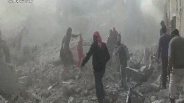 آثار القصف الذي خلفه القصف على حلب