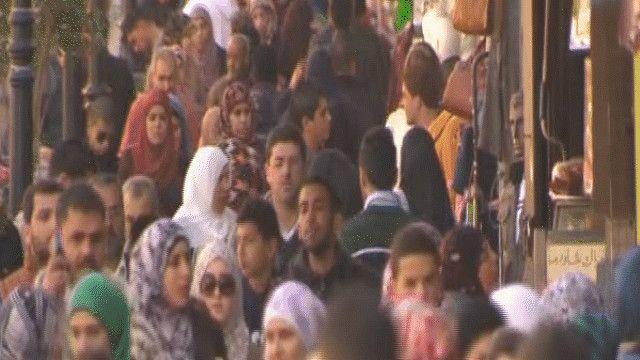 الشباب الفلسطيني يفكر في الهجرة بسبب تردي الأوضاع