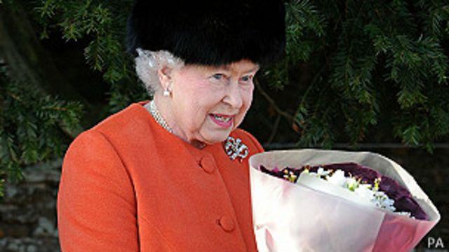 La reina Isabel exhorta al servicio en mensaje navideño