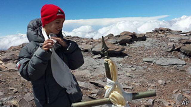 Un niño de 9 años bate récord al conquistar la cima del Aconcagua