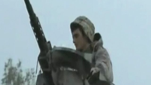 جندي لبناني في سلاح مضاد للطيران