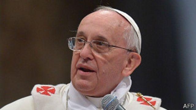 """Parejas homosexuales, """"un desafío para la iglesia"""" según el Papa"""