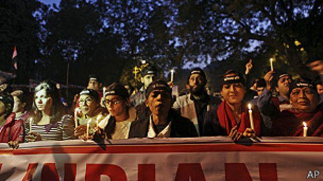 Tercer día de manifestaciones en India por muerte de joven violada por grupo