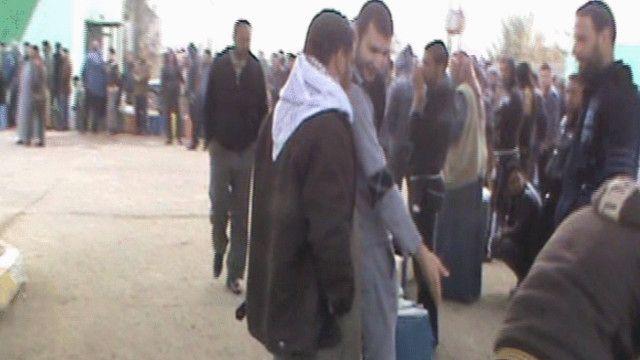 نزوح المدنيين من الفلوجة بسبب الاشتباكات